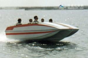 3A420(百 灵)三体消波游乐艇